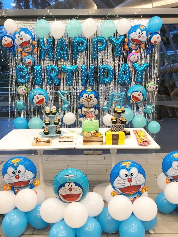 doraemon_blue_and_white_theme_backdrop_and_balloon_set_a_1545617177_e76a05720